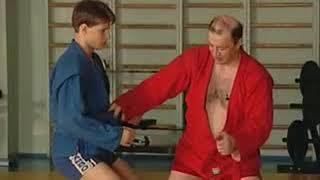 Уроки самбо Гончаров 24   Переход на рычаг колена из стойки