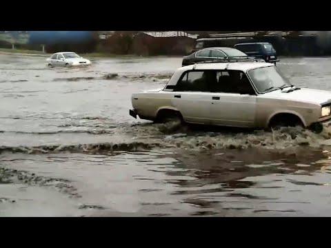 Аномальная погода установилась сразу в нескольких российских регионах.