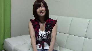 東京出身の19歳、2012年6月13日にシングル「えれぴょん」でソロデビュー...