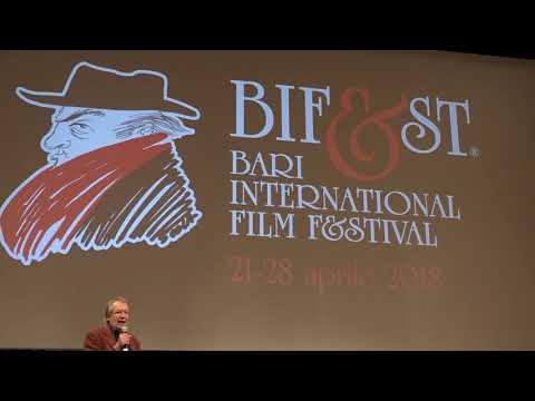 Pierfrancesco Favino apre Il Festival del Cinema di Bari, il Bifes