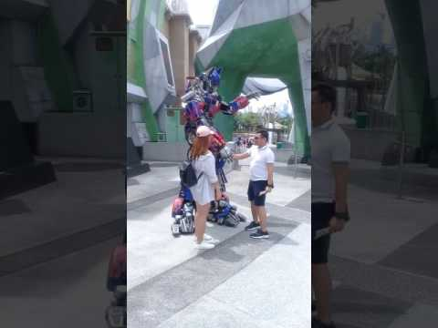 Chad Brih Travel Video: Universal Studios in Singapore Transformers