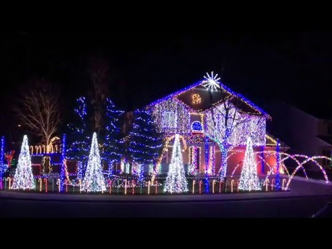 Cadger Dubstep Christmas Light Show 2015 - Give it Up by Knife Party
