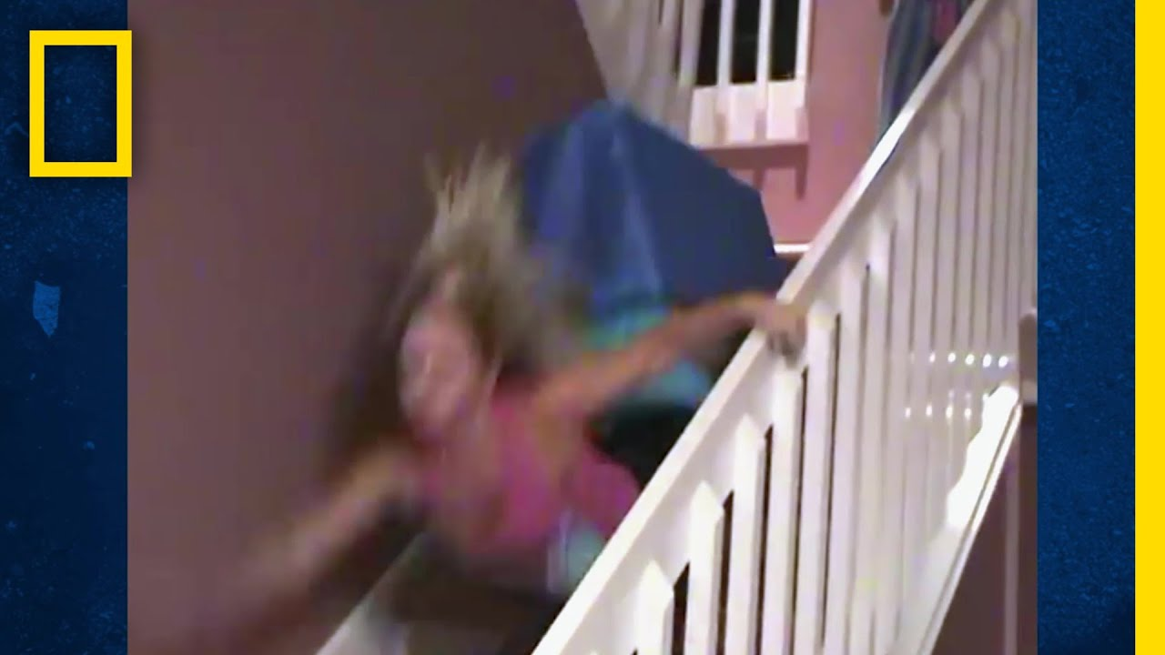 階段を滑る在宅サーファーたち |バ科学