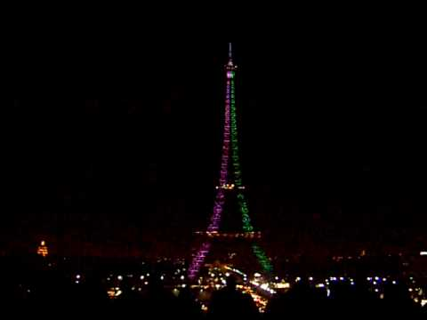Eiffel Tower in Christmas - YouTube