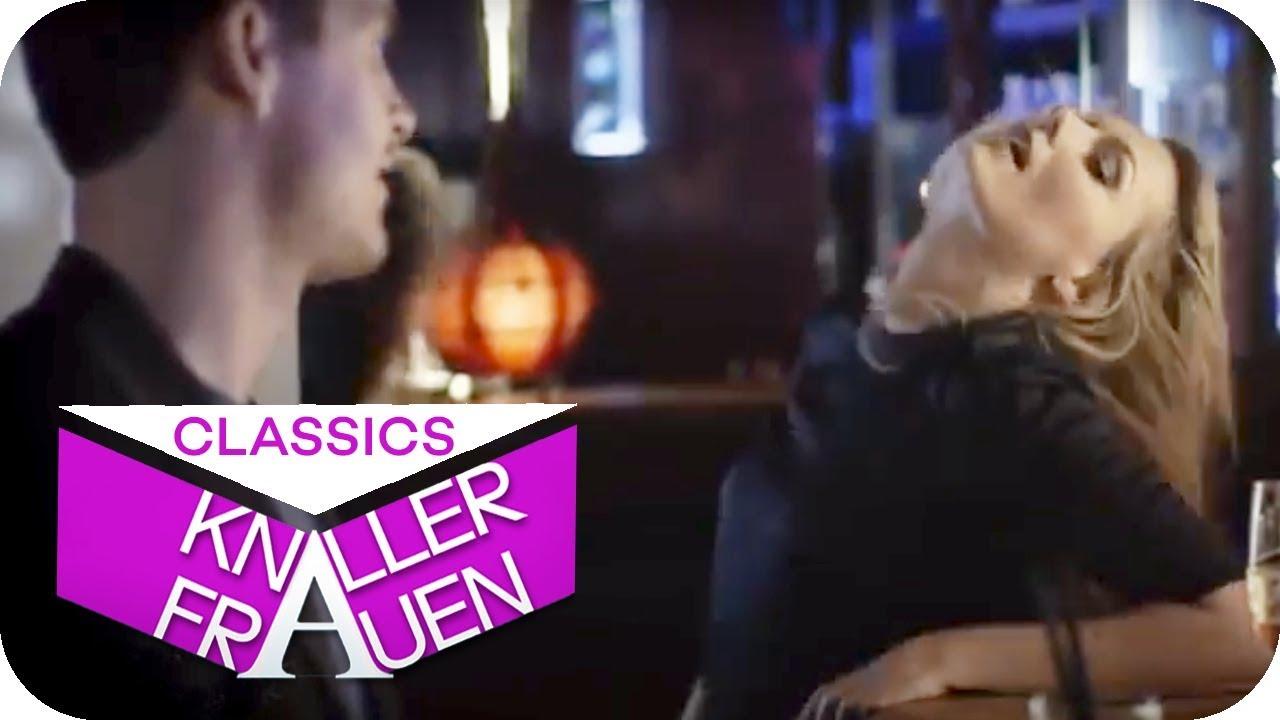 Sexy Flirt Fail: Wenn man zu heftig flirtet [subtitled] | Knallerfrauen mit Martina Hill