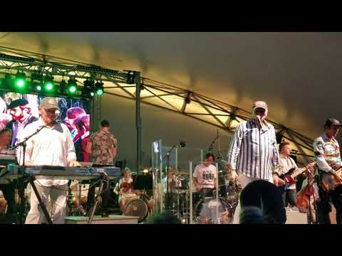 The Beach Boys- Wouldn't It Be Nice Live (Conner Prairie 7-13-18)