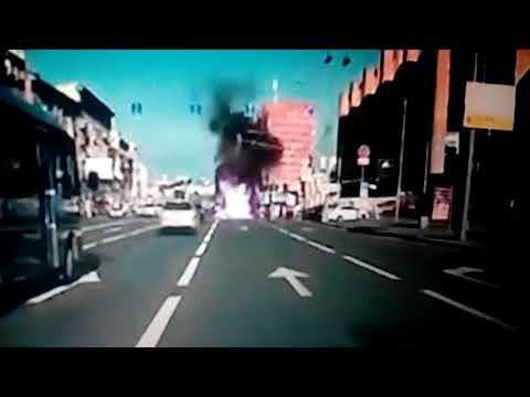 Смотреть фото Смертельное ДТП в Москве.Мотоцикл протаранил  грузовик .Кадры с видеорегистратора новости россия москва