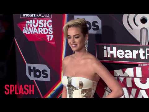 Katy Perry and Ryan Phillippe Spotted Flirting | Splash News TV