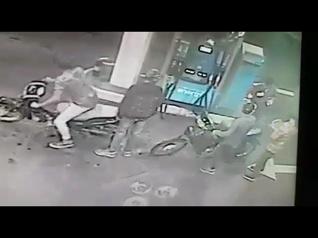 Robo y tiroteo en una estación de servicios