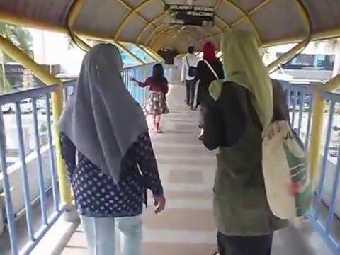 Pemandangan dari Jembatan Batam Center ke Mega Mall Batam