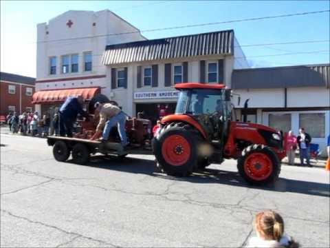 2015 Christmas Parade Denton NC Video Clips