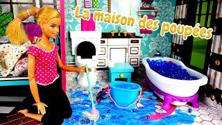 La matinée de Barbie. Vidéo avec les poupées pour les filles.