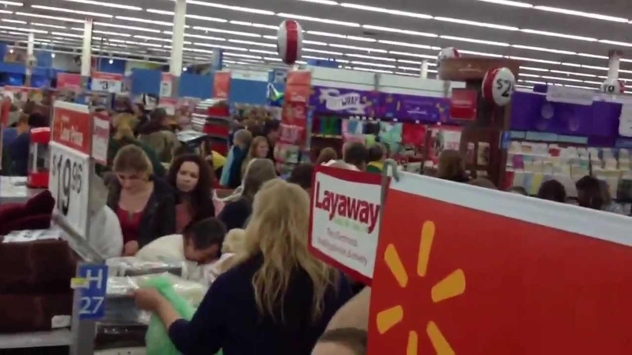 2012 Black Friday Shoppers Go Crazy At Walmart Shawano