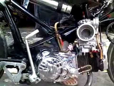 Honda C100 DOHC Dry Clutch Takegawa with FCR41.mp4
