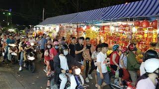 Chợ Đêm Ninh Kiều nhộn nhịp đêm 25 Tết Canh Tý