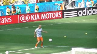 Robben skills during warming up - NED vs CHI - World Cup 2014