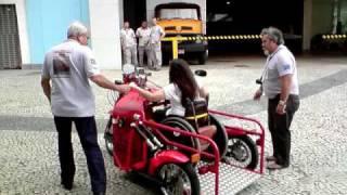 Guerreiros da Inclusão no triciclo Biga