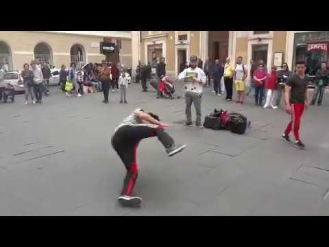 Baby, I don't need dollar bills  song Hip Hop e Balli - Street Dance