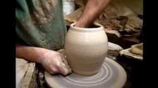 Гончарное искусство. Начало работы на круге. Центрование глины.