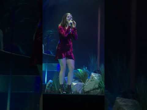 National Anthem - Lana Del Rey live in Denver, CO at the Pepsi Center (LA TO THE MOON TOUR 1.7.18)