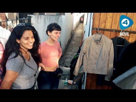 Florencio Varela: venden la ropa usada de su familia para hacerle frente a la crisis económica