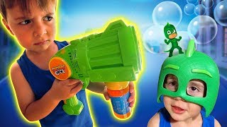 PJ MASKS AND THE SOAP BUBBLE TOY!! Gekko Maikito And PJMasks Toys
