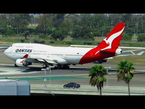 Qantas Airways Boeing 747-400ER Takeoff from Los Angeles Intl. Airport (LAX) | VH-OEI