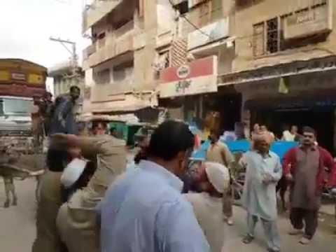 Rishwat Na Dene Per Police Ne Pathan K Truck ka Shisha Torr Dia, Phir Pathan Ne Kia Kra Dekehn Zra..