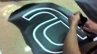 Обдирка самоклеющейся пленки.flv(Рекламно-производственная компания