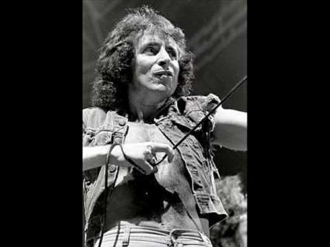 AC/DC HIGH VOLTAGE LIVE 1 30 77 Sydney HQ