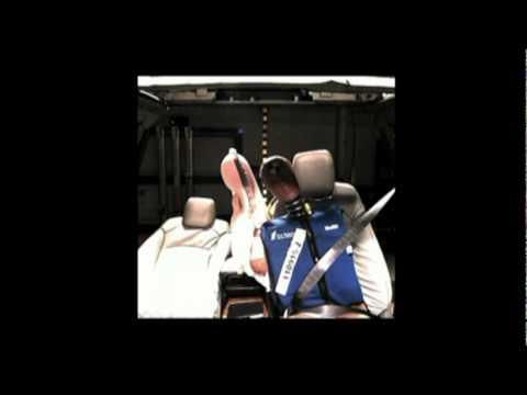 GM First Front Center Air Bag Crash test