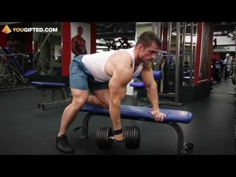 Упражнения для спины. Тяга гантели в наклоне.