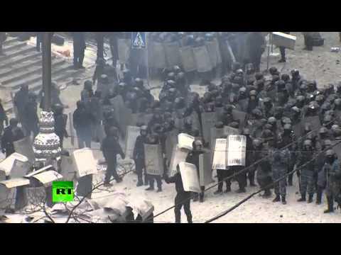 Украинский спецназ оттесняет