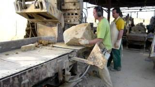 Druckkraft beim Spalten 200 Tonnen! - Natursteine 100% frost-, verwitterungs- und tausalzbeständig