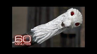 """Kit Harington shows off the """"Game of Thrones"""" prop collection on """"60 Minutes"""""""