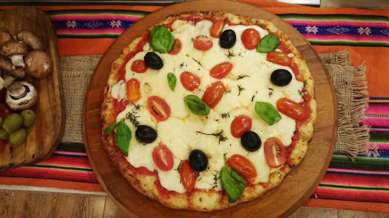 Pizza de pan reciclado con Roly Serrano