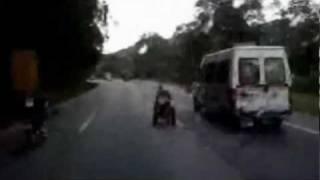 Detenido por circular a 80km/h en silla de ruedas