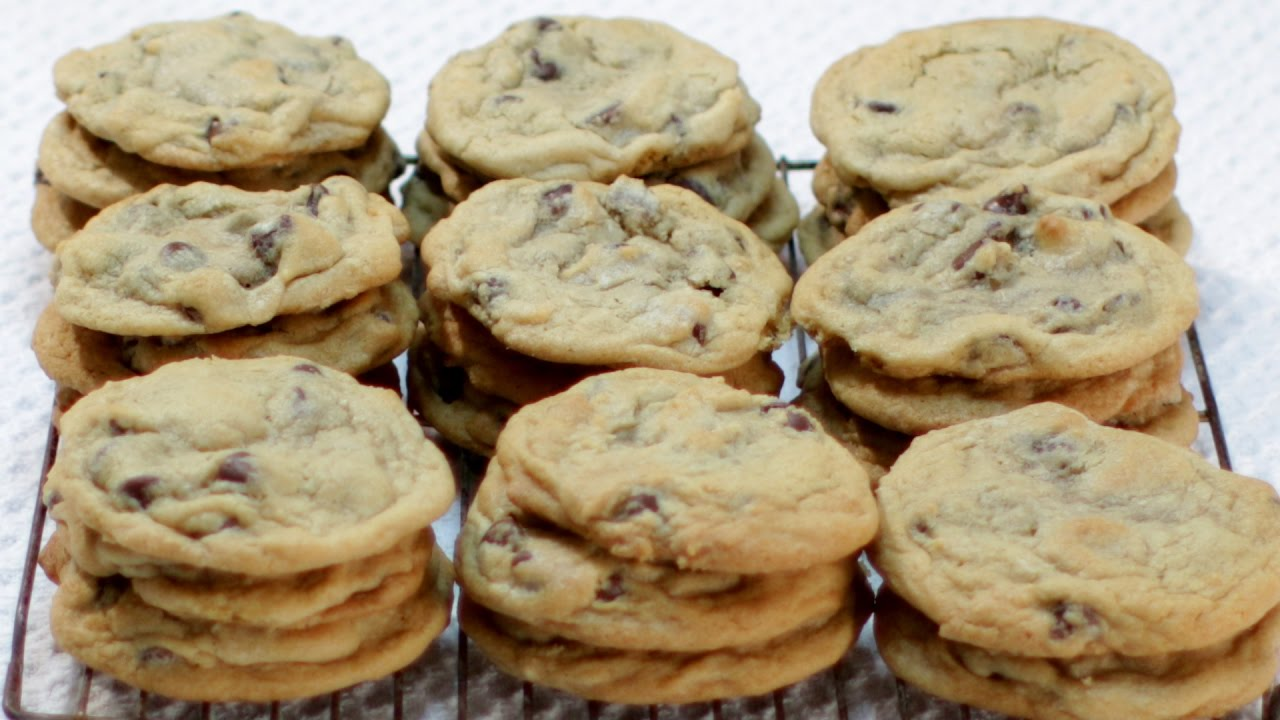 Best Homemade Chewy Chocolate Chip Cookie Recipe
