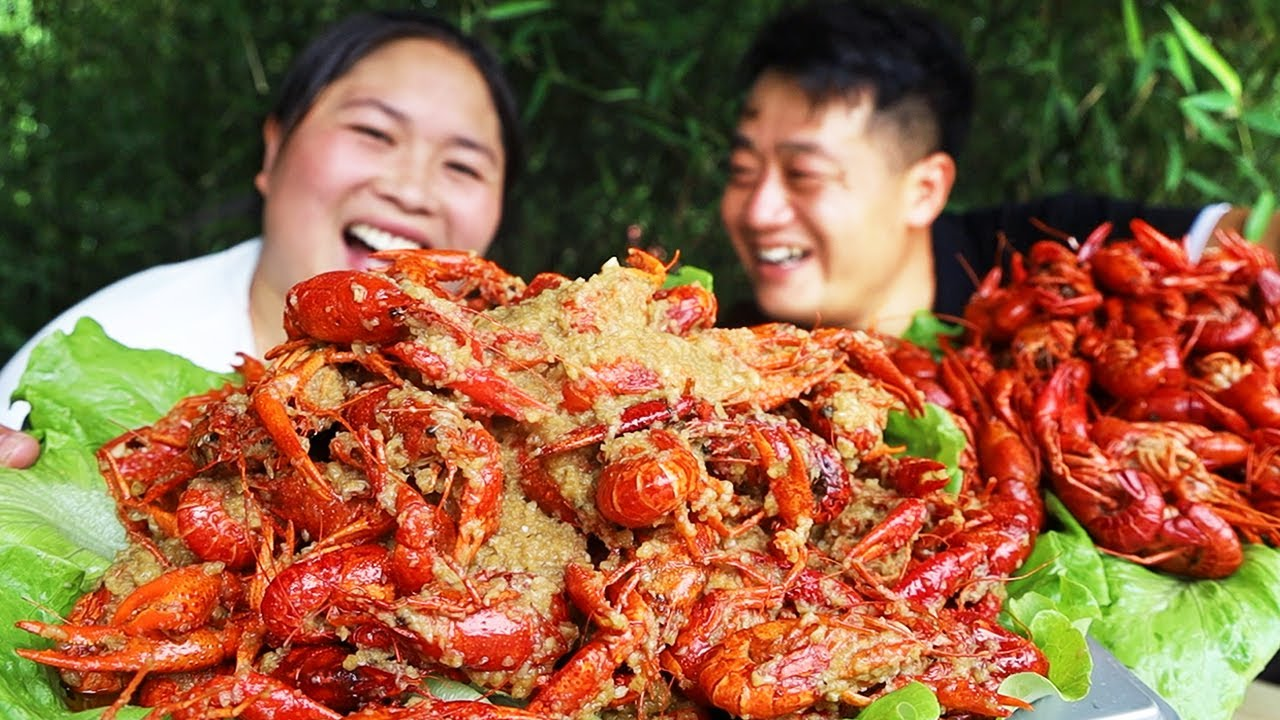胖妹改善伙食,买10斤龙虾,整2种吃法来解馋,肉质Q弹吃过瘾【陈说美食】
