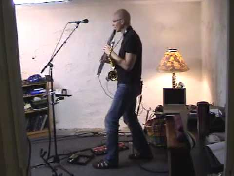 Fame Thomas Doggett live-looping performance