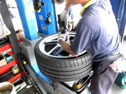 Tyrezone in Action - Installing a High-Performance Tyre