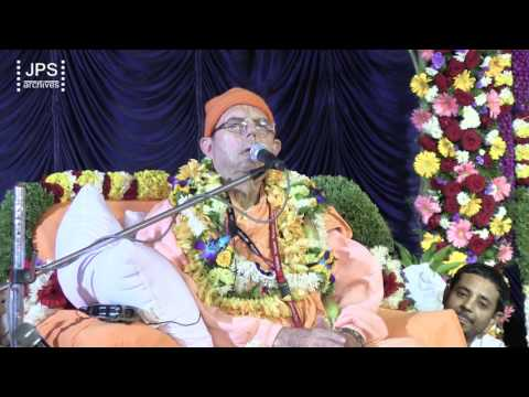 20161230 Jayapataka Swami gave an evening arrival address in Bangalore.