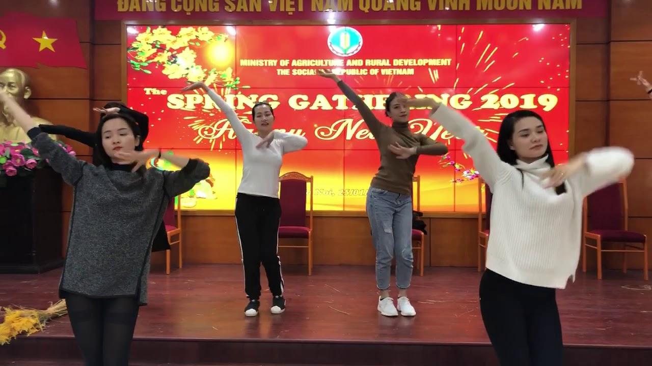 Múa vui hội mùa- vũ đoàn Carmen