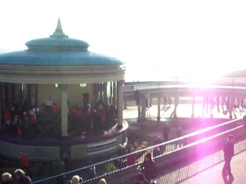 EASTBOURNE PIER AND BANDSTAND 25.12.09