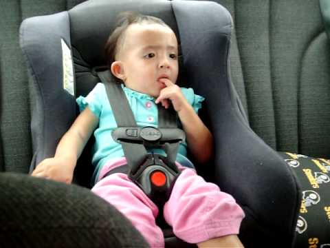 22 Months September 212009 424 Cacis In The Car Seat Sweatingtom Stop At Mcconnelmov