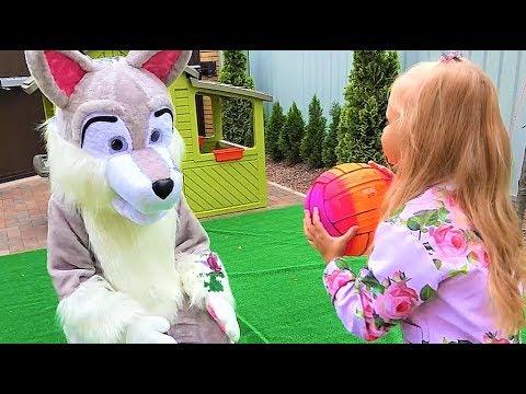Алиса НЕ СЛУШАЕТСЯ папу и запускает ХАСКИ в дом! Kids Pretend Play with Cleaning Toys! - Простые вкусные домашние видео рецепты блюд