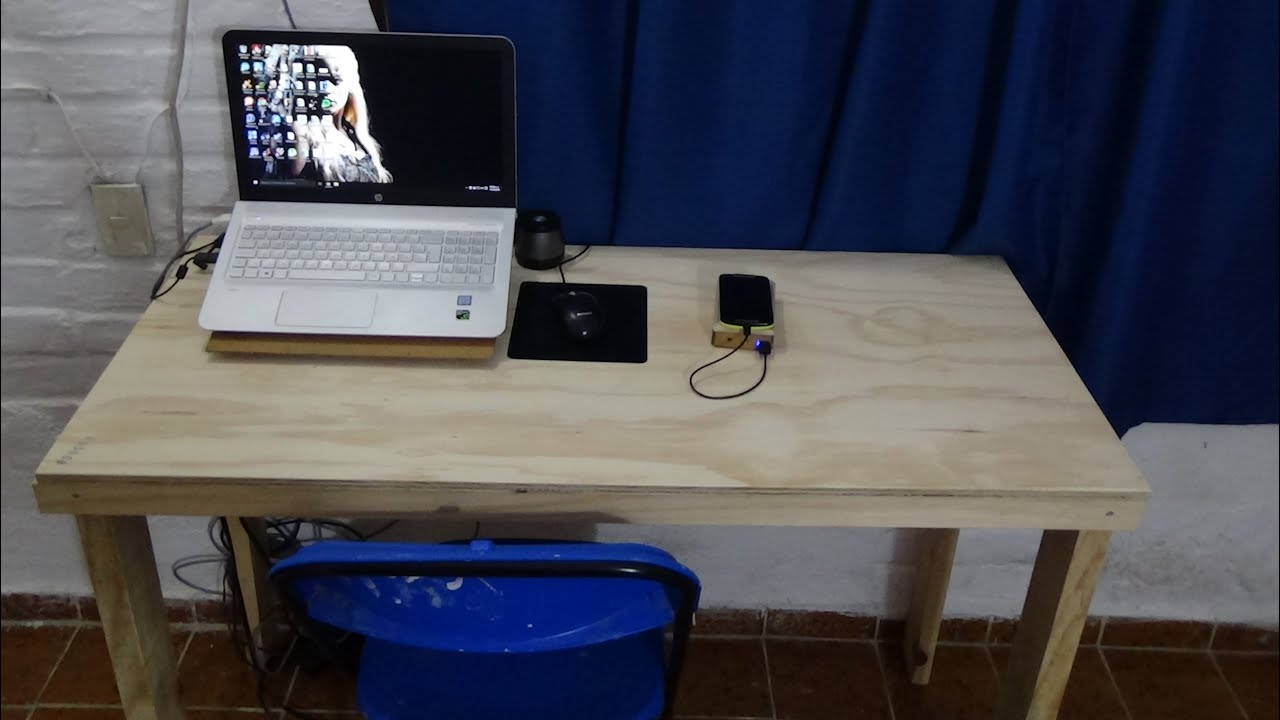 Diy escritorio de madera sencillo youtube for Mesa para computadora