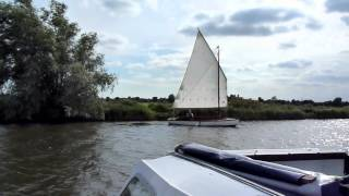 Sailing a Broads Half Decker