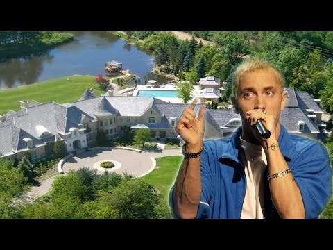 Eminem's (Marshall Bruce Mathers III) House - Rochester Hills (outside)
