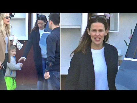 Samuel Affleck Sports Neon Green Pants At Breakfast With Mommy Jennifer Garner